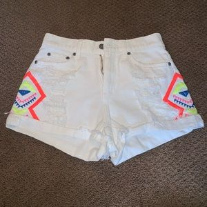 LF White Highwaisted Shorts